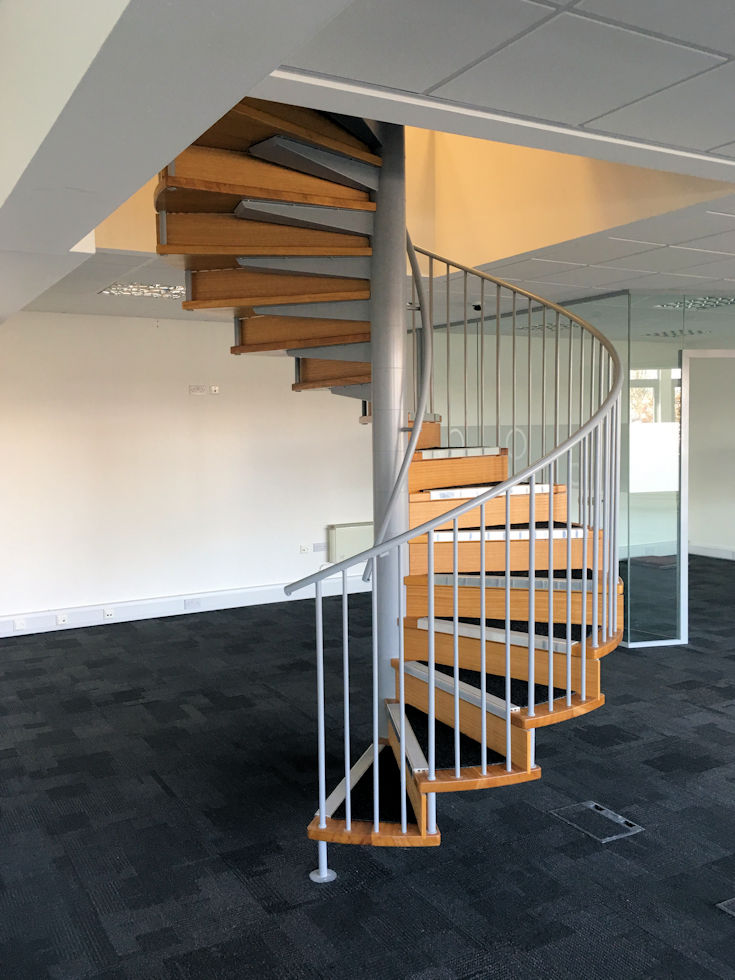 Attrayant Spiral Staircases